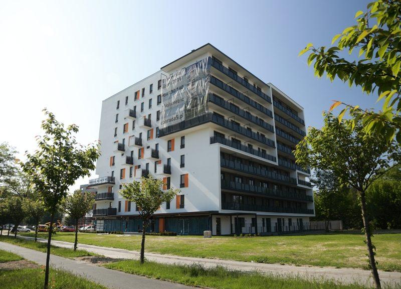 Warszawa – Bielany, Conrada 5 Budynek mieszkalny z dwupoziomowym garażem podziemnym