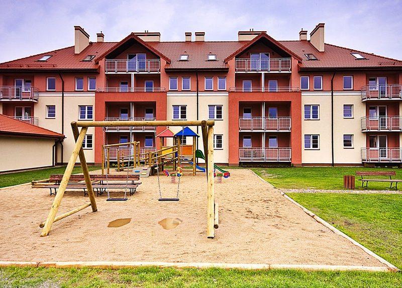 Przasnysz – Tęczowa, Budynki mieszkalne i obiekty towarzyszące
