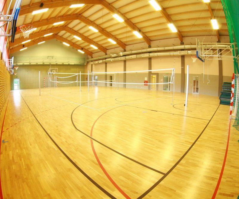 Leśniakowizna – Szkoła Podstawowa z oddziałami przedszkolnymi, salą gimnastyczną i towarzyszącą infrastrukturą