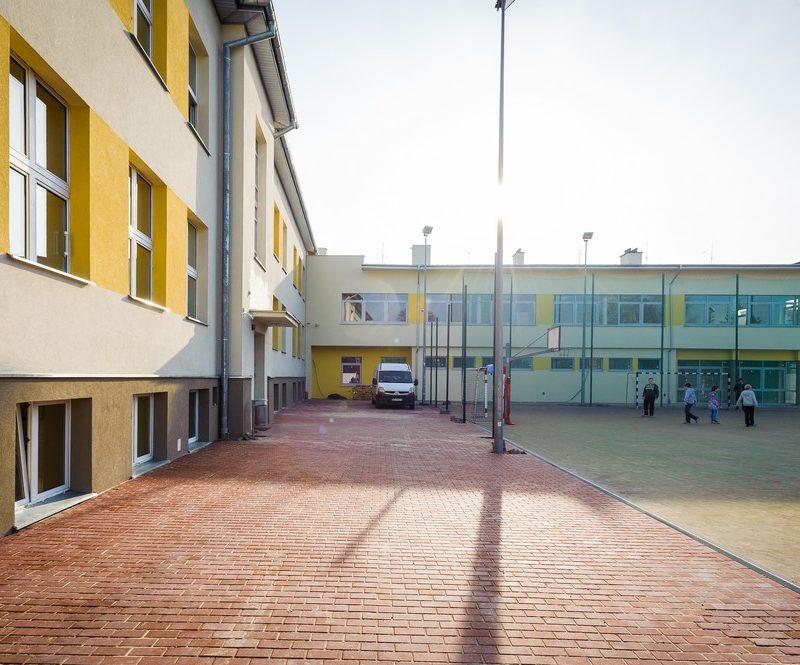 Piaseczno – Szkoła Podstawowa nr 1, Rozbudowa modernizacyjna
